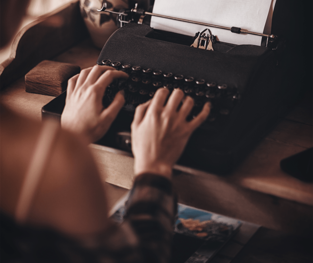 9 B2C Lead Generation Tips to Attract More Customers Typewriter Image