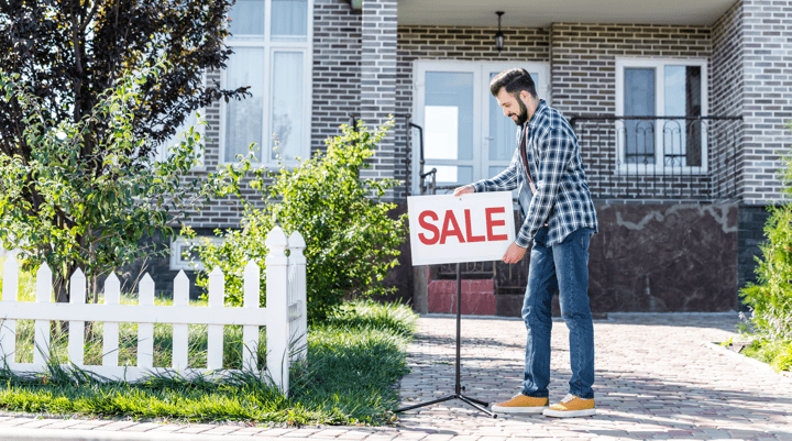 Examining the Latest Trends in New Home Sales Man Image