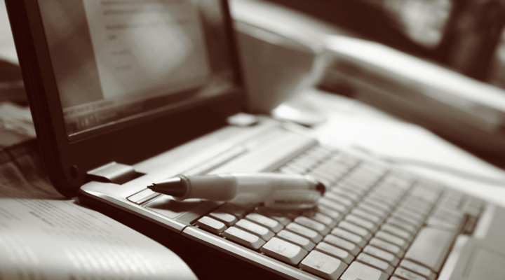 How to Nail Your First Blog Post: 10 Blogging Mistakes to Avoid Writing for Web Image